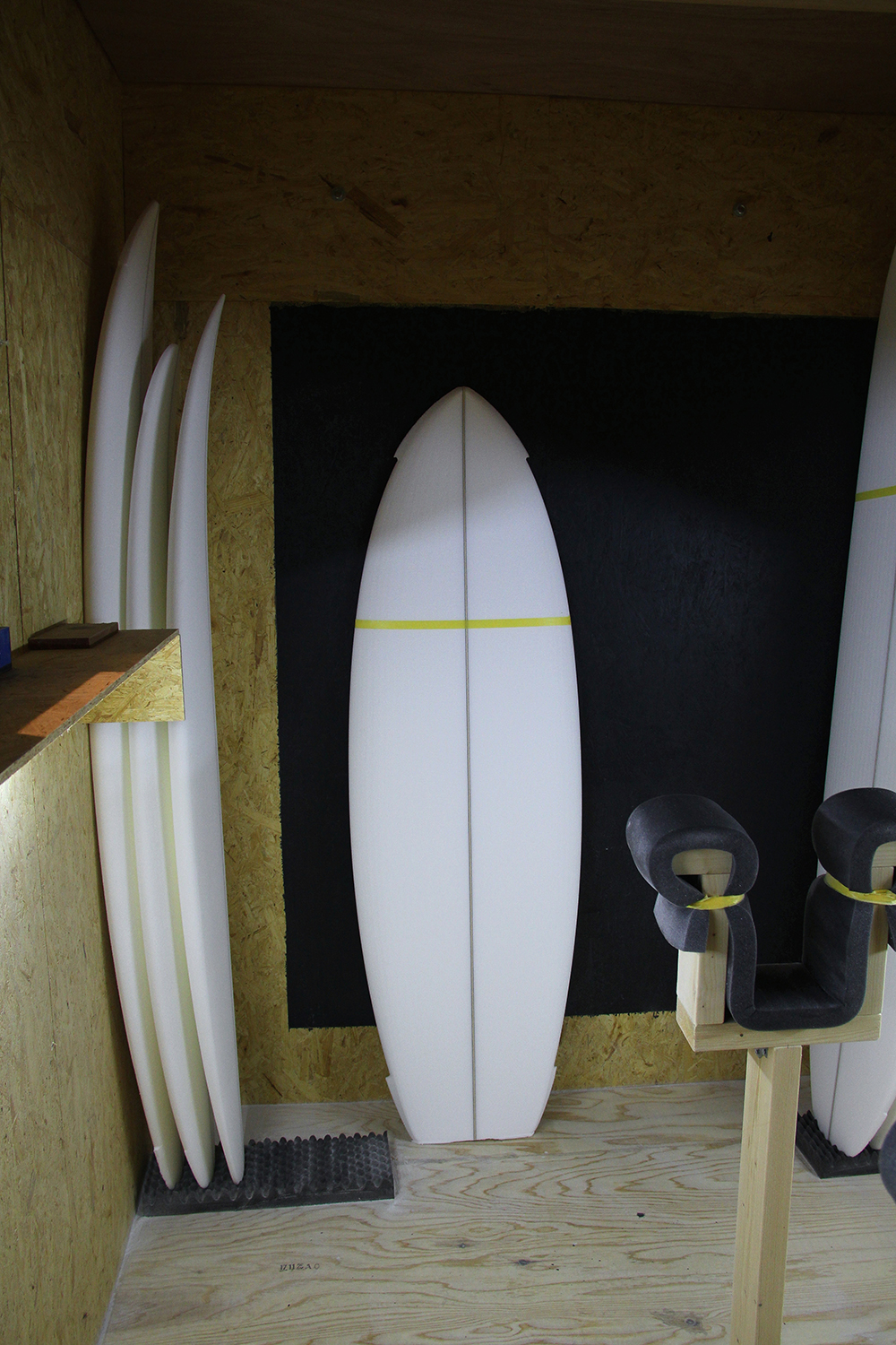 ATOM Surfboard Mach-ll model preshaped
